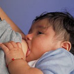 Muttermilch für Jungen ist fetthaltiger
