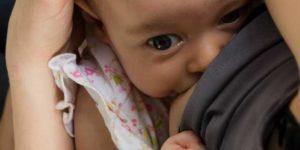 10 Tipps, damit das Stillkind besser zunimmt