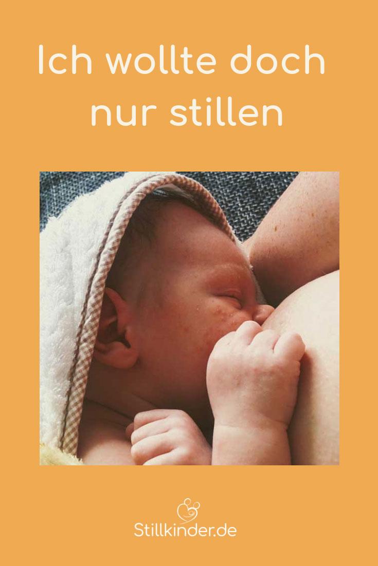 Neugeborenes saugt an der Brust