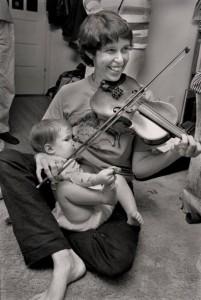 beim Geige spielen